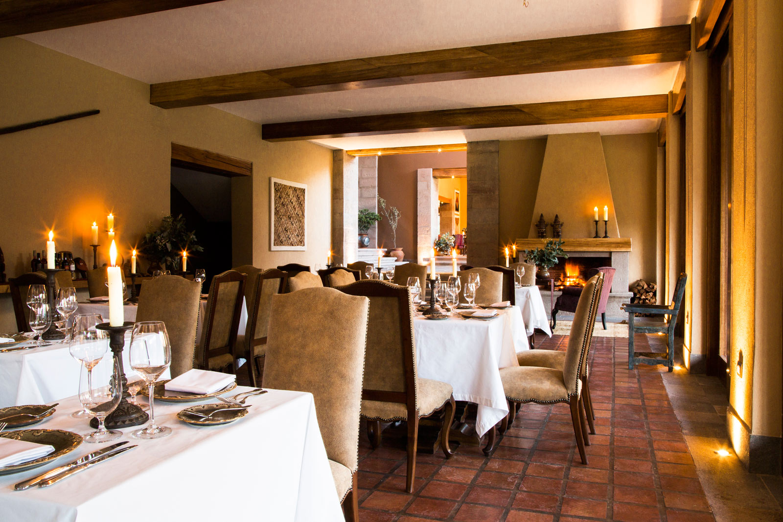 Dining room bar hacienda urubamba for Dining room bar